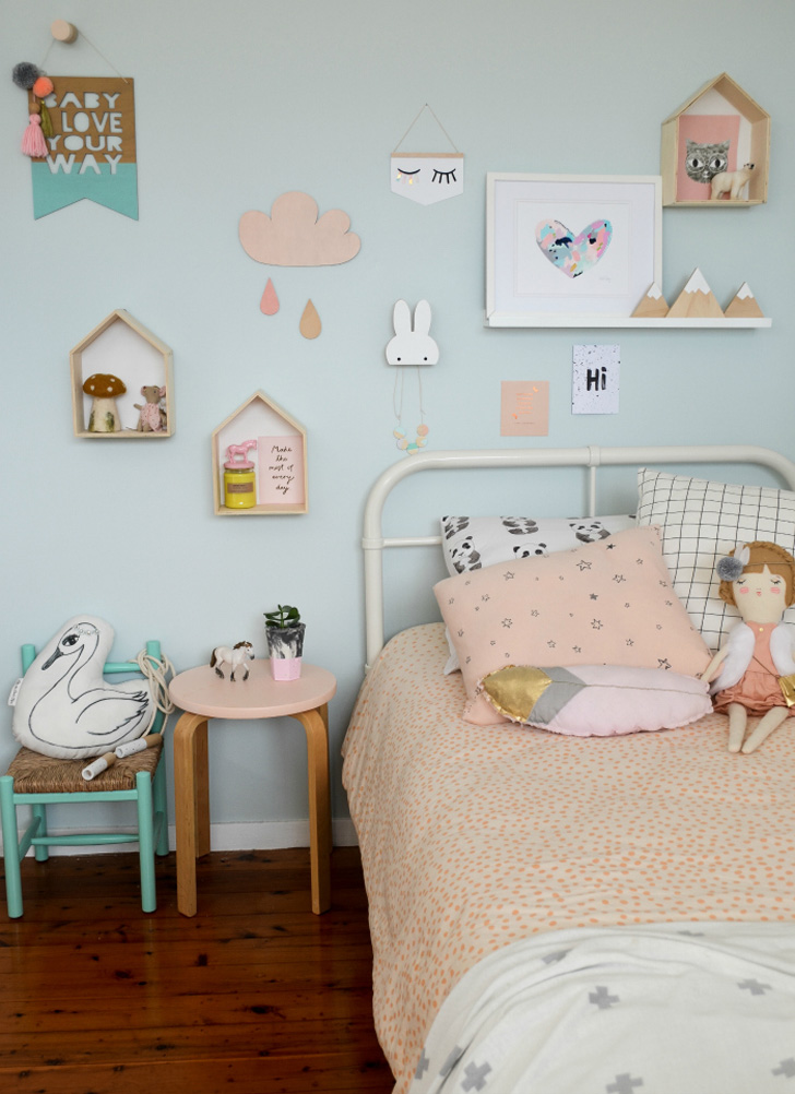 colourful-scandinavian-kids-room-pastel-tones2.jpg